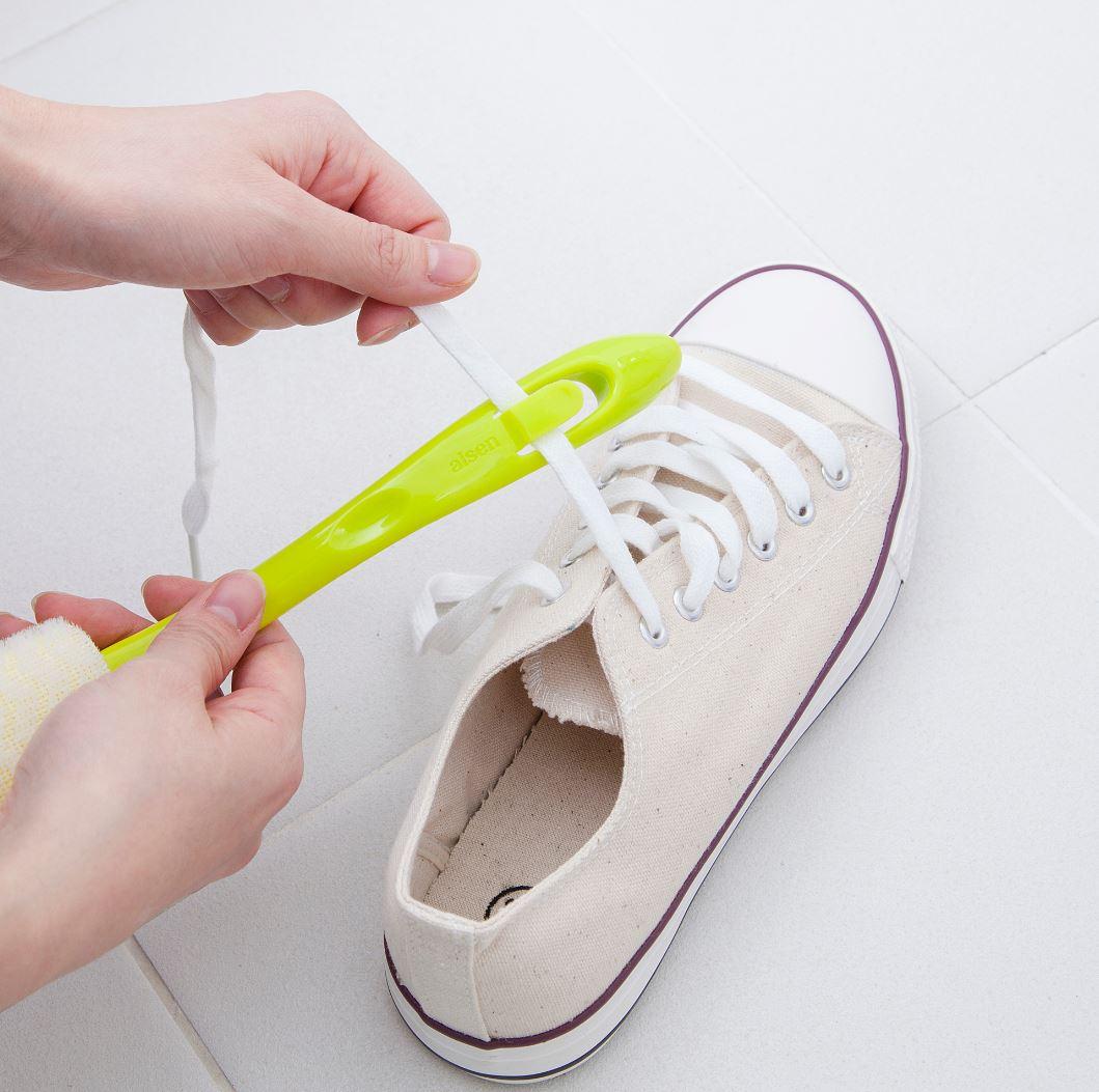 靴ヒモ洗い付シューズブラシ