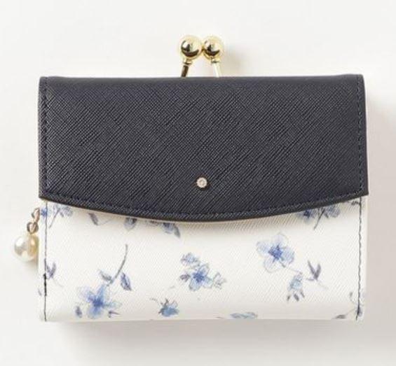 花柄がま口折りたたみ財布