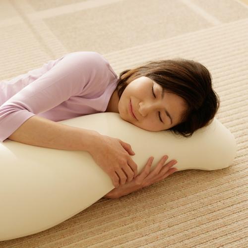 快眠グッズ 王様の抱き枕