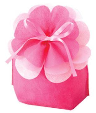 華やかなフラワーモチーフのラッピング袋